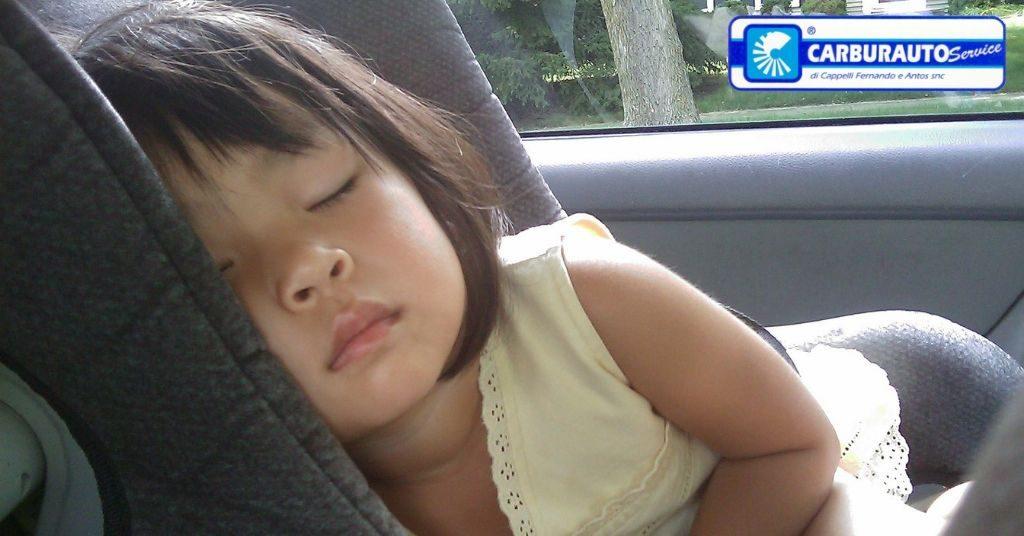 come evitare di dimenticare tuo figlio in auto, la sicurezza prima di tutto!